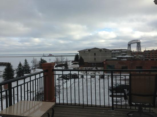 Canal Park Lodge: View from third floor, King, Whirlpool Suite deck