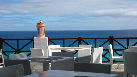 Club Jandia Princess Hotel: Restaurant mit Terrasse in dem man außerhalb der Essenszeiten essen und trinken kann.