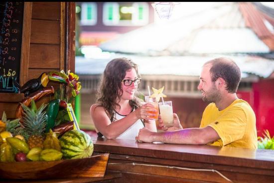 Hotel Bocas del Toro Restaurant & Bar : Cheers!