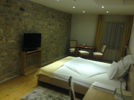 Boutique Hotel Malomkert : bedroom layout