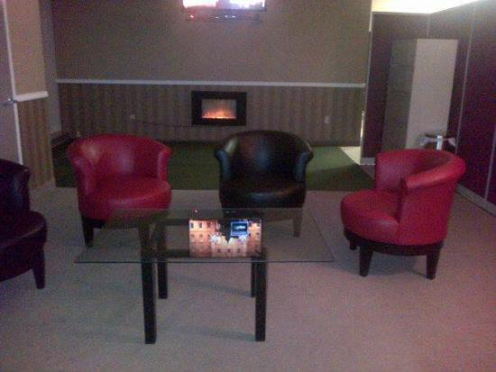 Extreme Indoor Golf: Private and semi private lounges
