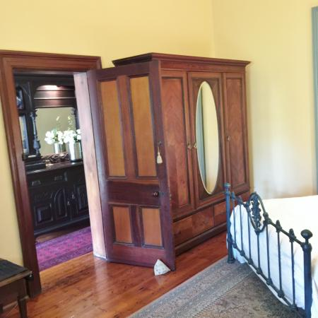 101 addison road bed breakfast updated 2018 prices for Ample closet space