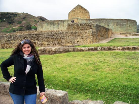 "Ingapirca, Ecuador: Vista de la ""Elipse"", ""Templo"" o ""Castillo"""