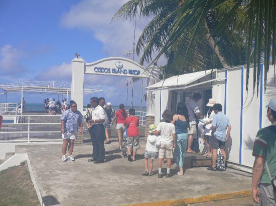 Cocos Island Resort: ココスゲート
