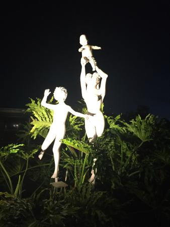 Cypress Cove Nudist Resort: fun statue