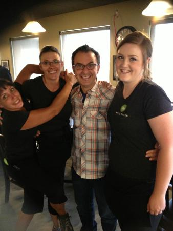 Roy's Place : John Catucci and the Front end girls