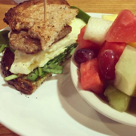 Sweet n Savory Cafe: Skinny breakfast sandwich