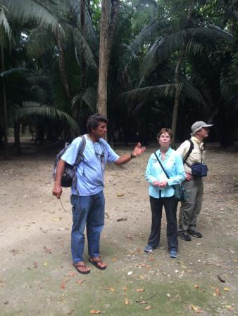 Tanisha Tours: Daniel talking at Lamanai