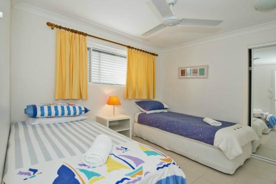 Samarinda: single bedroom Surfside apartment