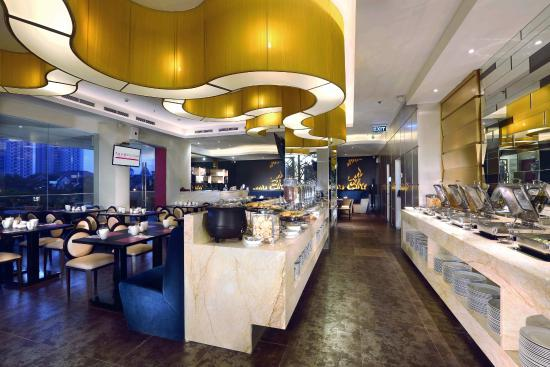 Candi Restaurant & Lounge