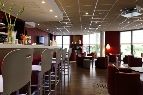 Campanile Lyon Centre - Gare Part Dieu : Lounge bar