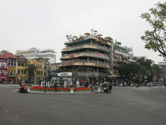 Golden Lotus Luxury Hotel : Place à proximité