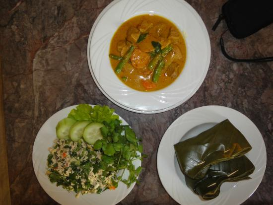 Cafe Toui : Delicious Lao food I learnt to cook then ate!