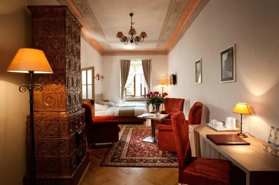 Hotel Santi