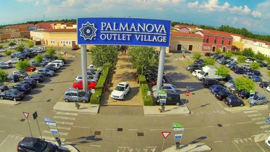Palmanova Outlet Village - Picture of Palmanova Outlet Village ...