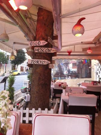 Angels Home Bar & Restaurant : Restaurant outside seats