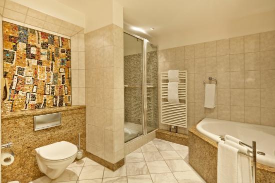 badezimmer - picture of h4 hotel hannover messe, laatzen - tripadvisor
