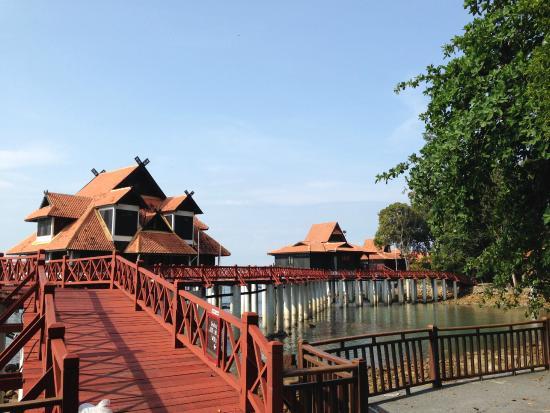 how to get to langkawi from bangkok