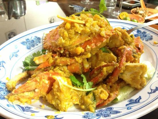 New Ubin Hillview: Salted Egg Yolk Crab