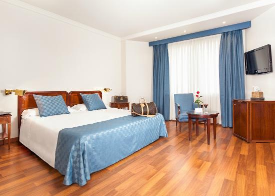 Ayre Hotel Astoria Palace: Habitación clásica