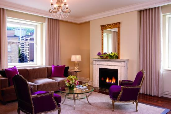 The Ritz-Carlton, Montreal : Suite with Fireplace
