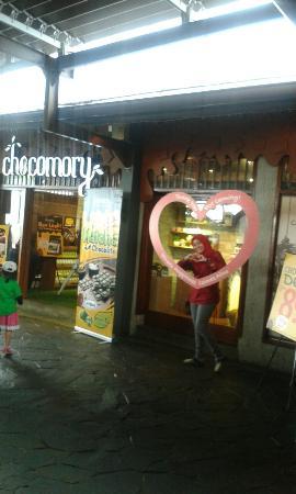 Cimory Resto: Puas banget belanja coklat di chocomory. Kualitas mutu dan rasa enak yg terolah baik. Mantaapp!!