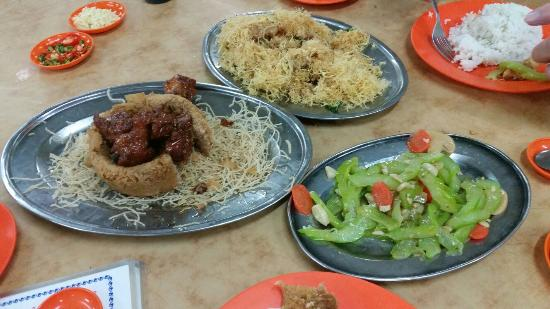 Authentic malaysia chinese food picture of alor akar for Authentic malaysian cuisine