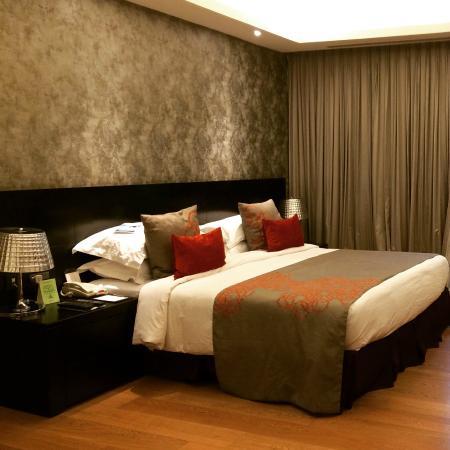 Fraser Suites New Delhi  beautiful room. beautiful room   Picture of Fraser Suites New Delhi  New Delhi
