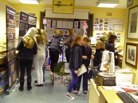 Barlborough Heritage & Visitors Centre: LOCAL GIRL GUIDE VISIT