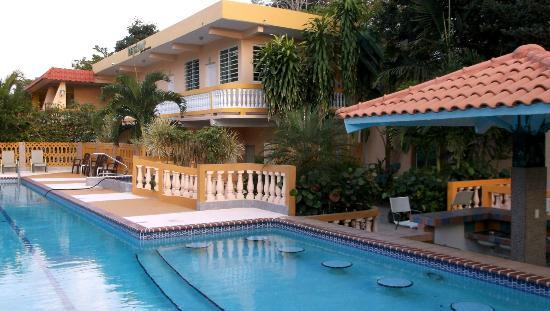 Anasco, Porto Riko: Poolside