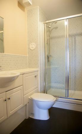Edinburgh Playhouse Apartments: Bathroom