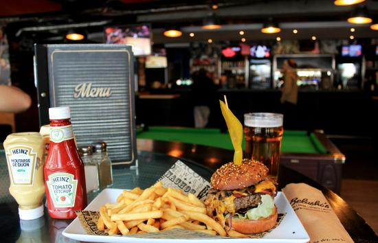 Belushi's : Beer & Burger every weekday lunch