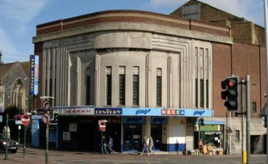 Sittingbourne, UK: New Century Cinema restored and Open