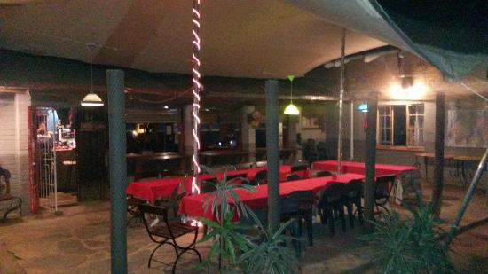 Gecko Backpackers: Dinning area