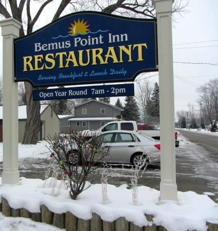 Bemus Point Inn: The sign with some X-mas decorations still up