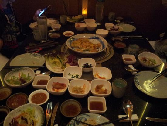 Sunken table picture of sonamu dubai tripadvisor for Asiana korean cuisine restaurant racine