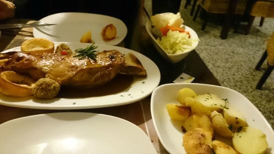 El Naranjo: Lamb to share