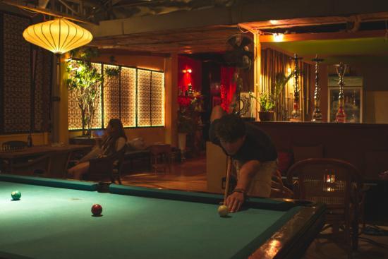 Ha Van Hotel : pool table & shisha bar
