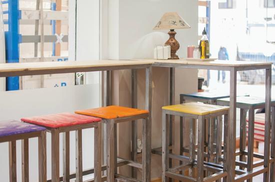 Foto de Det Coffee And Cake Granada Cas todos los muebles estn