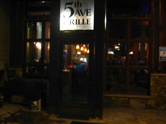 5th Avenue Grille : Entrance
