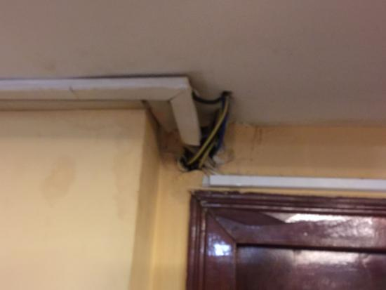 โรงแรมพรินเซส: Electricité douteuse