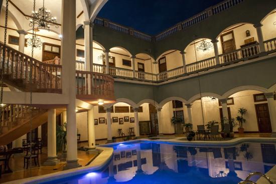 Piscina picture of hotel real la merced granada for Piscina la granada