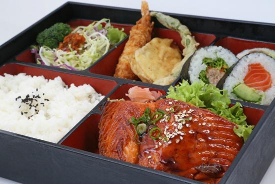 Paradise Sushi: .
