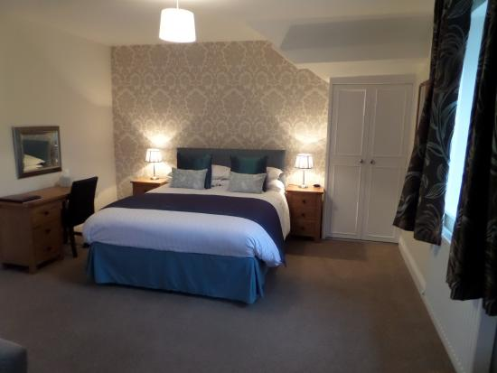 Allerdale House Keswick: New for 2015 Large Superior King Bedded Room With Large Shower and Separate Bath