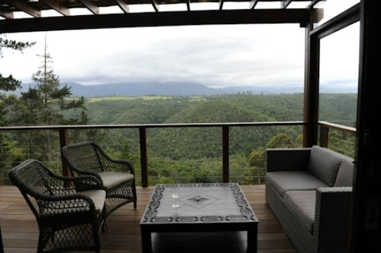 Tamodi Lodge: FABULOUS VIEW OVER VALLEY - SHAME SKY WASN'T BLUE FOR US