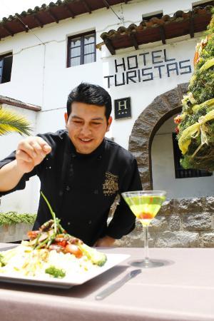 Hotel Turistas: Nuestro chef ejecutivo cuidando todos los detalles