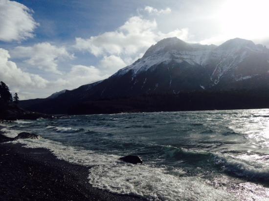 Waterton Glacier Suites: Morning Hike