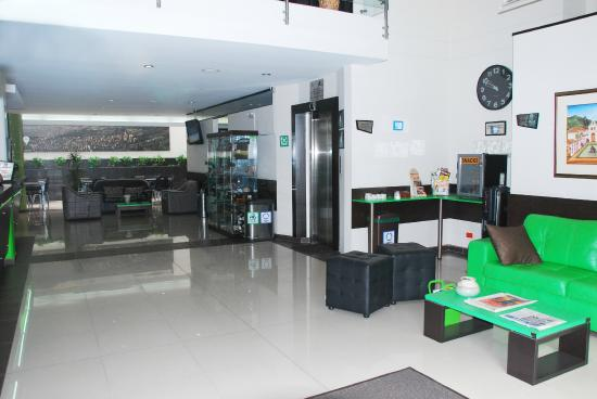 Hotel Acqua Medellin: Lobby
