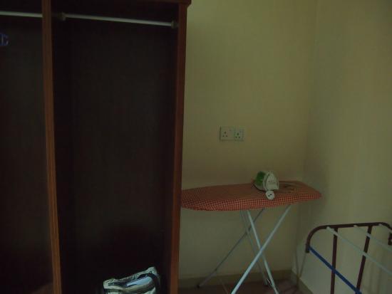 Adina Motel