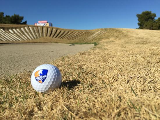 Desert Pines Golf Club : Bunker Shot